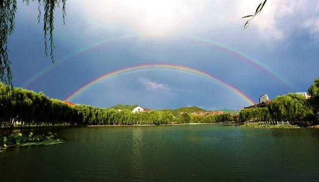 校园风光-雨后彩虹
